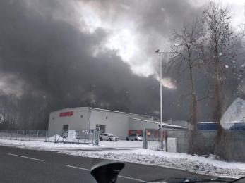 Pożar stacji recyklingowej przy ul. Szybowej