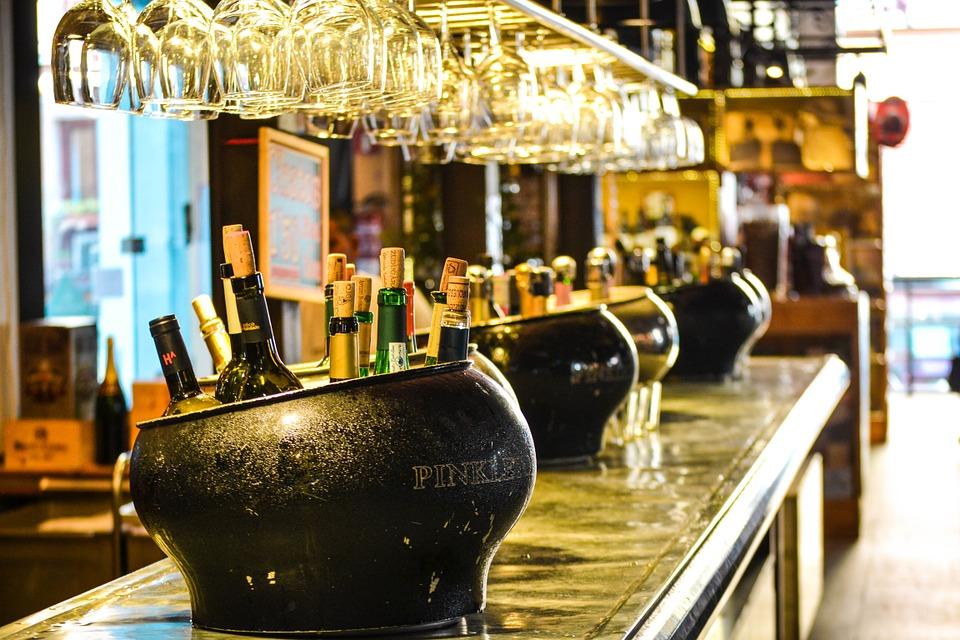 Informacja dla przedsiębiorców - zezwolenia na sprzedaż alkoholu