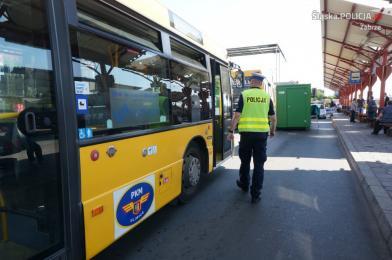 W Zabrzu policjanci kontrolowali autobusy komunikacji miejskiej oraz busy