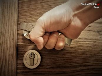 27-latek ukradł portfel z mieszkania. Usłyszał zarzuty