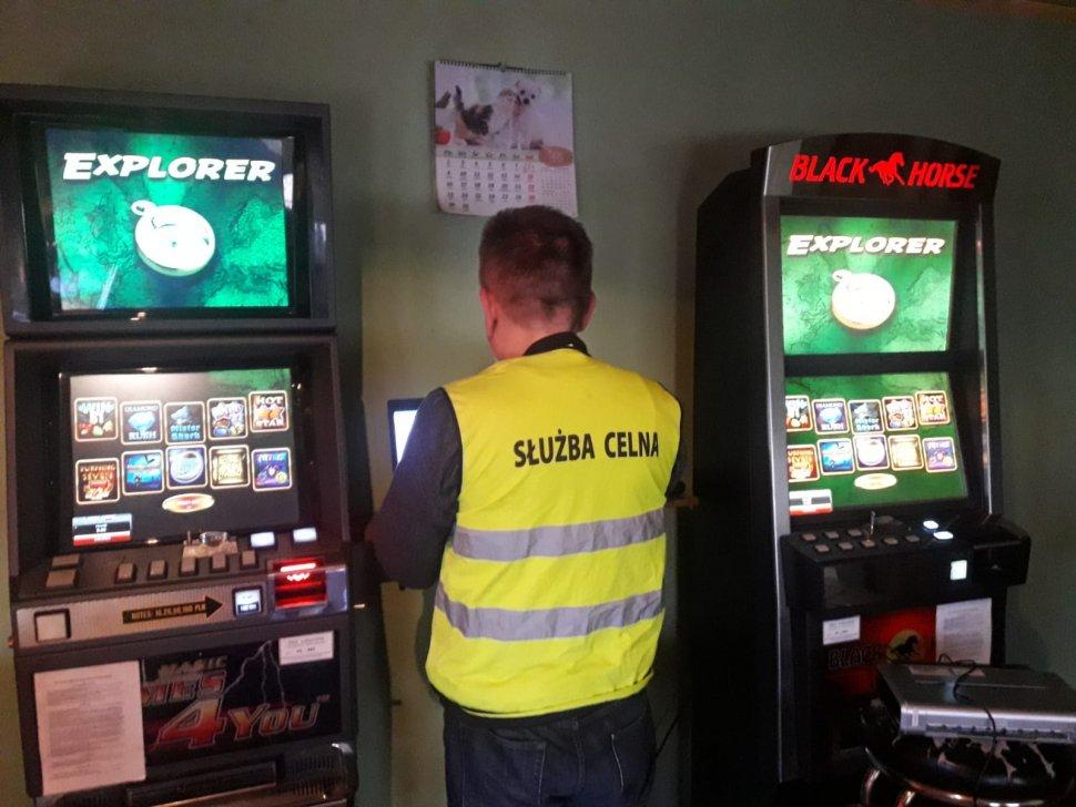 Policjanci z Zabrza zabezpieczyli kolejne automaty do nielegalnego hazardu