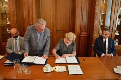 Podpisano porozumienie dot. zagospodarowania terenów poprzemysłowych