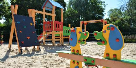 W Kończycach otwarto nowy plac zabaw