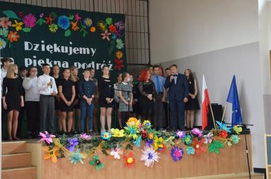 Zmodernizowana Szkoła Podstawowa nr 22 pożegnała ósmoklasistów