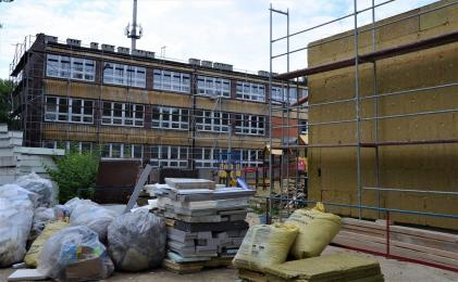 W zabrzańskich szkołach prowadzone są intensywne prace budowlane i modernizacje