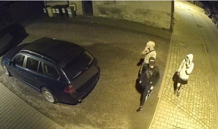 Ukradli rower na ulicy Limanowskiego. Rozpoznajesz ich? [WIDEO]